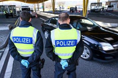 Немцы в шоке: запрет на въезд из-за коронавируса не действует на беженцев