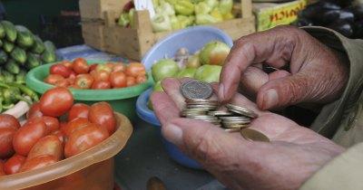 Наши граждане тратят треть семейного бюджета на еду