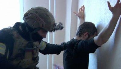 """Грабитель в маске """"старика"""" вытянул из пензенских банкоматов более 20 миллионов рублей"""