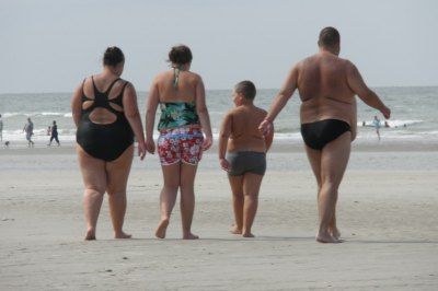 Россияне покупают пляжную одежду - в июле откроются все отечественные курорты